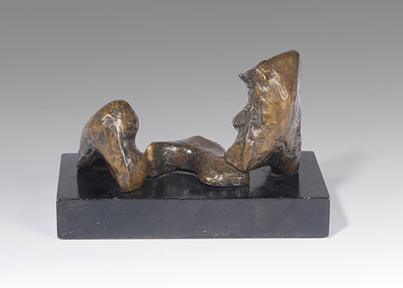 "Henry Moore - Three Piece Reclining Figure: Maquette Nr 1"" -"